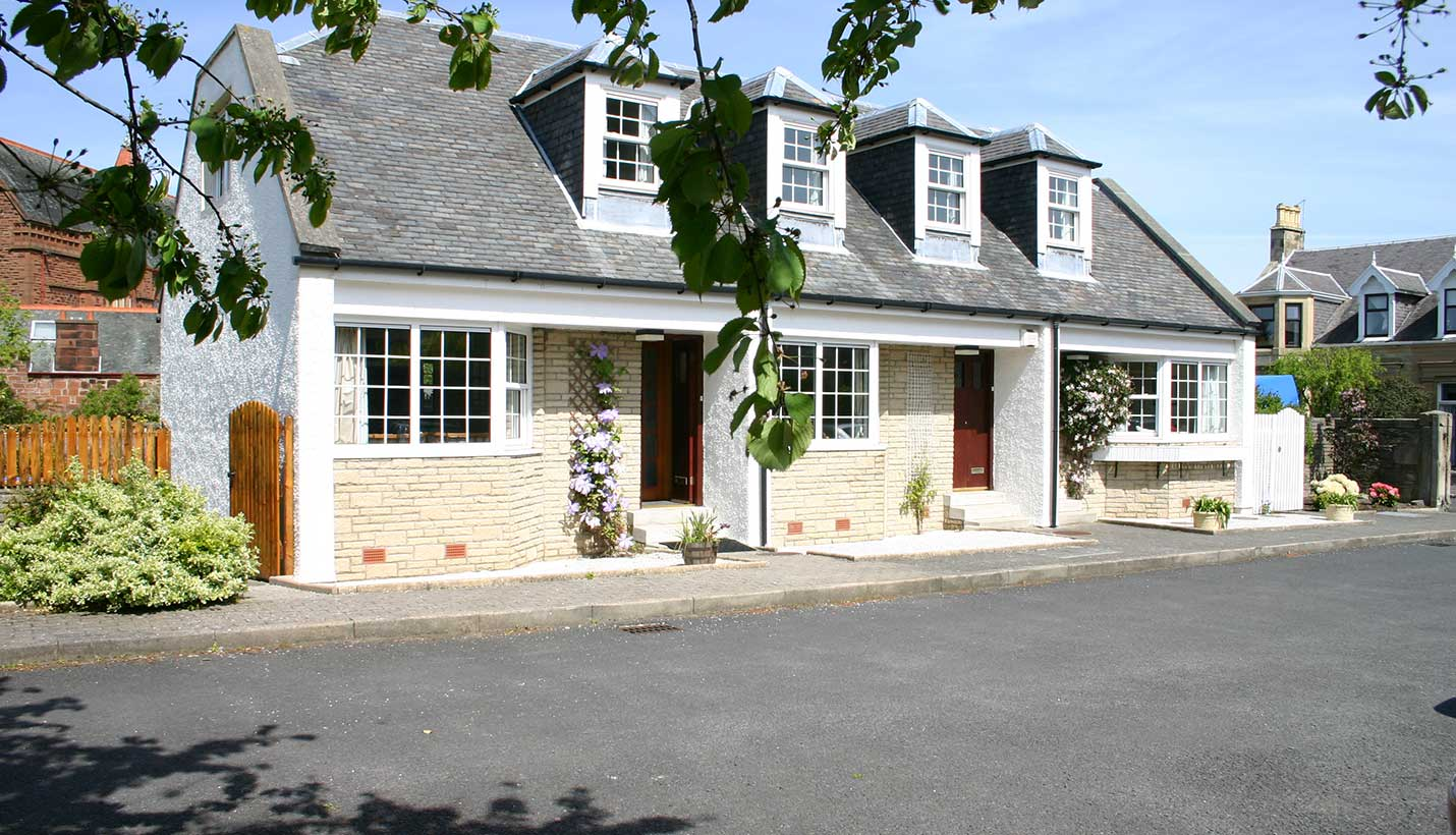 Self Catering Accommodation in Ayr - Church Cottage