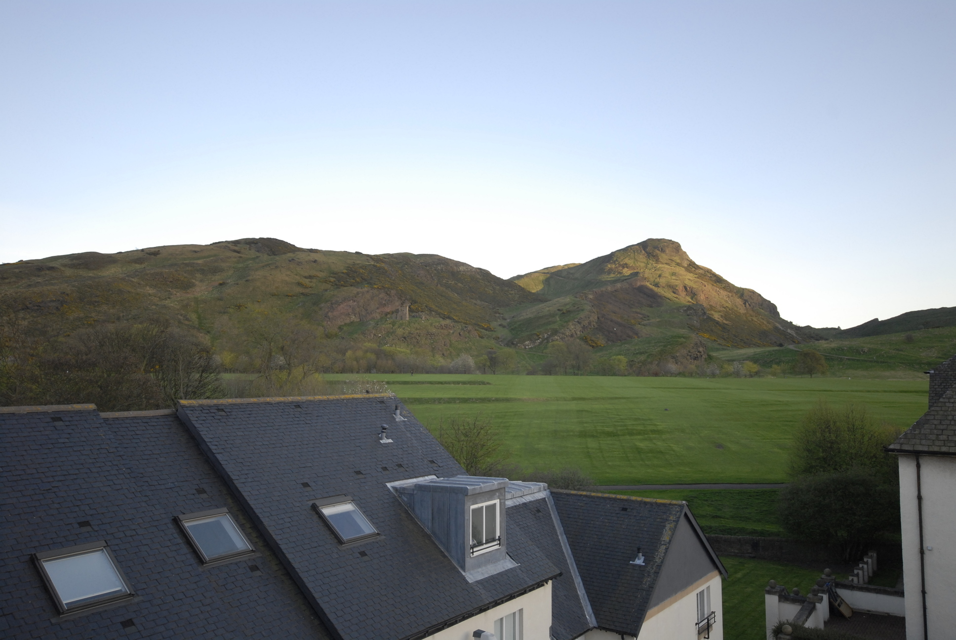 Edin Arthurs Seat view from flat