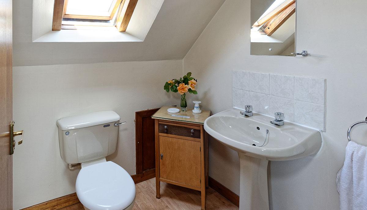 churchcottage_bathroom_1